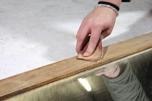 tutoriel customiser le cadre d 39 un miroir en bois. Black Bedroom Furniture Sets. Home Design Ideas