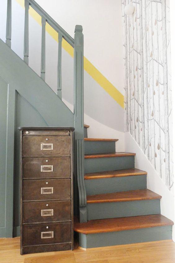 Meuble pour une montée d'escalier