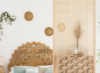 ambiance avec décoration sur un pan de mur