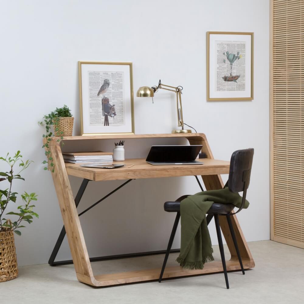 Bureau contemporain en bois et en métal totalement dans les tendances actuelles