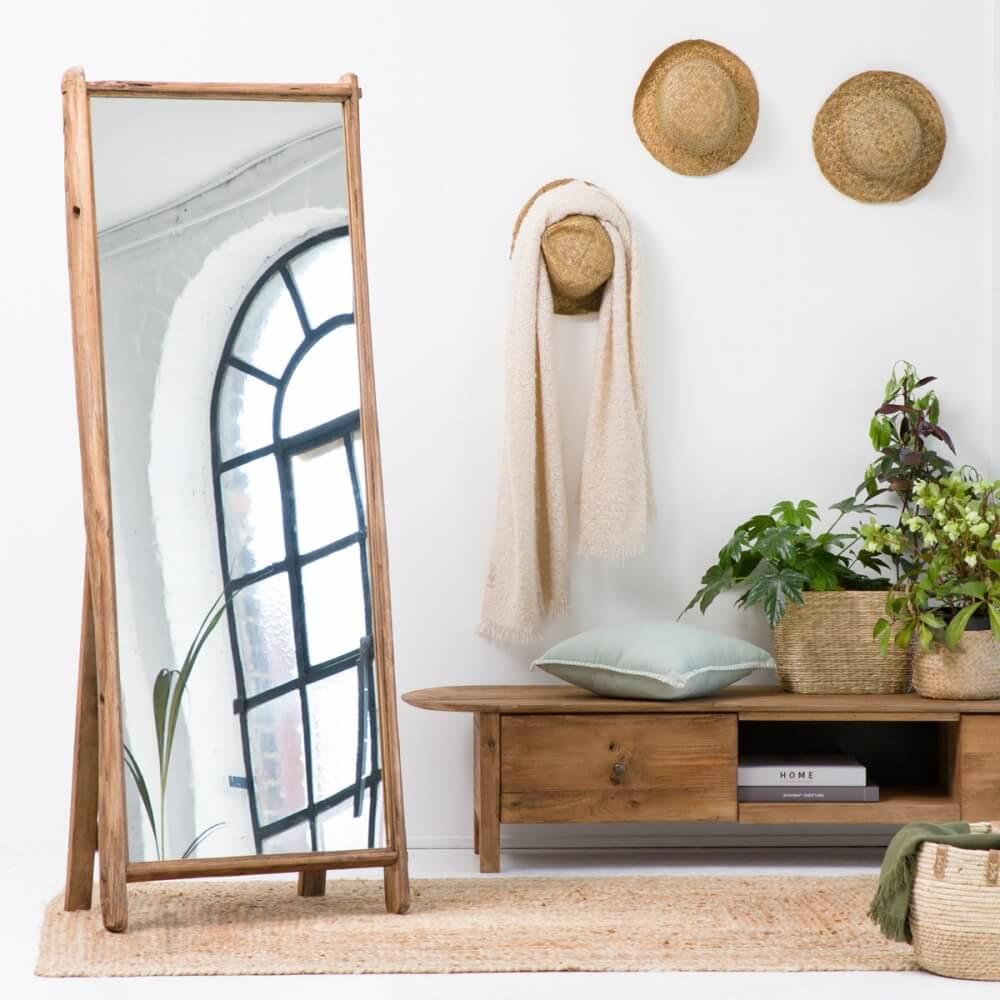 Miroir en bois style brut idéal pour accompagner votre commode