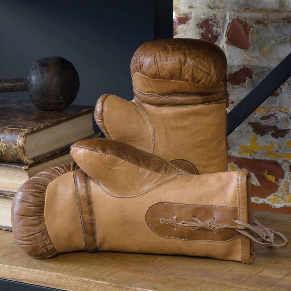 Paire de gants comme accessoire de décoration