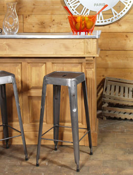 Meuble bar bois massif chez made in meubles for Meuble bar bois massif
