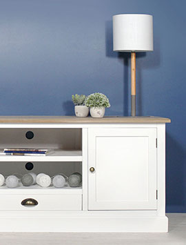 Meuble tv bois massif moderne et classique made in meubles for Table de television en bois