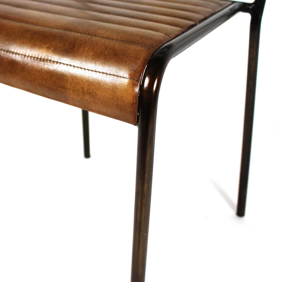 chaise vintage cuir couture