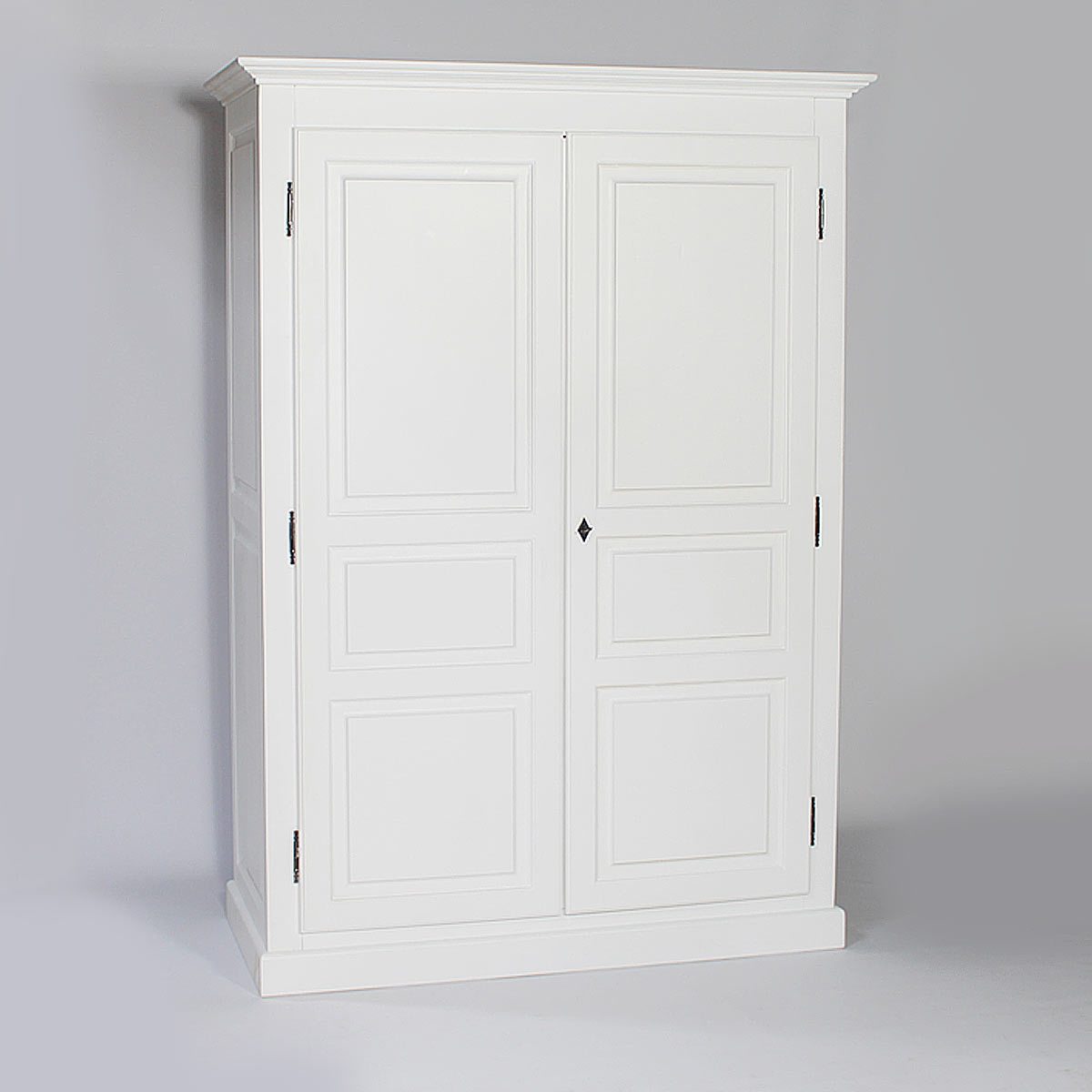 armoire en bois blanc gallery of console bois blanc consoles preppy console tables console. Black Bedroom Furniture Sets. Home Design Ideas