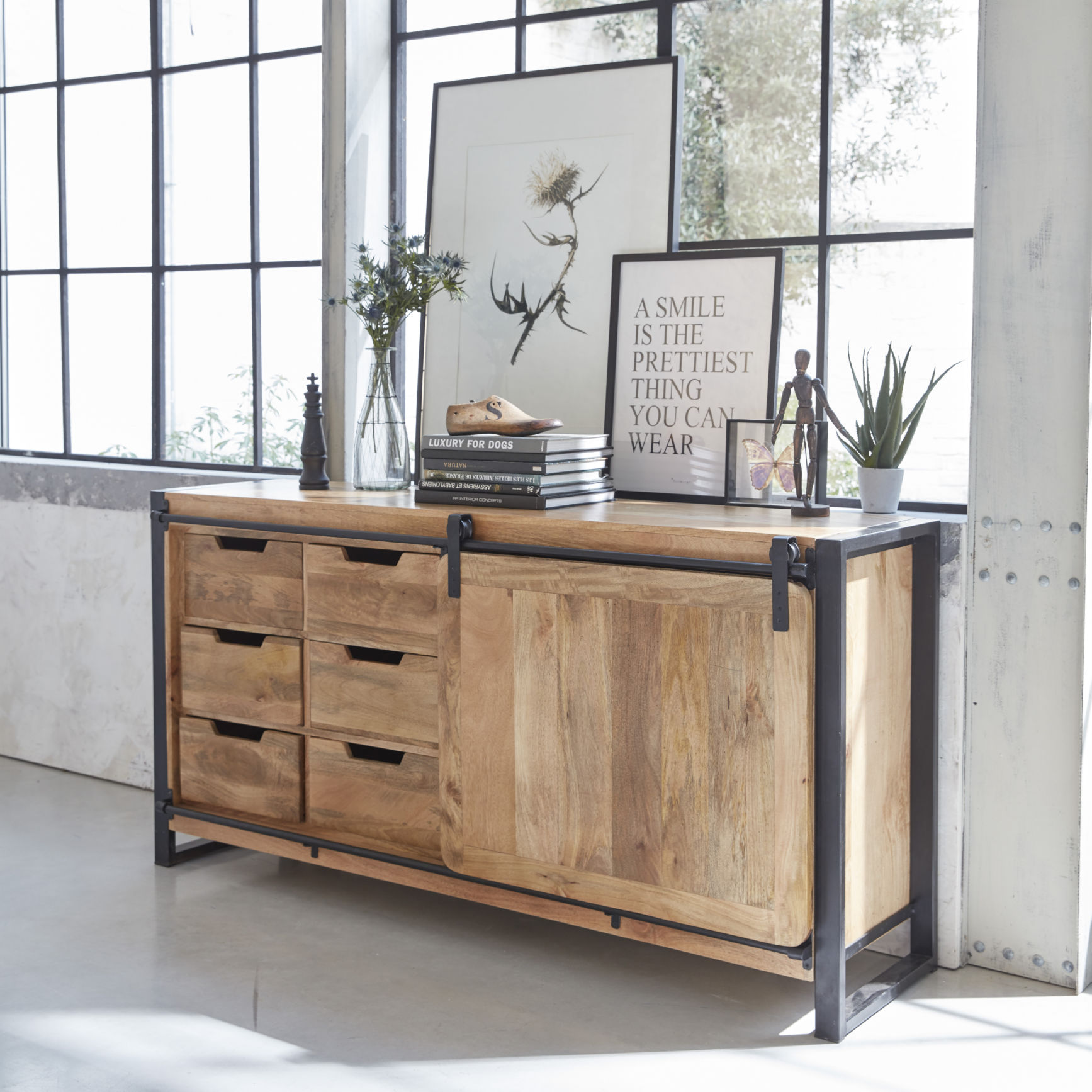 made in meubles meuble industriel bois massif meuble. Black Bedroom Furniture Sets. Home Design Ideas