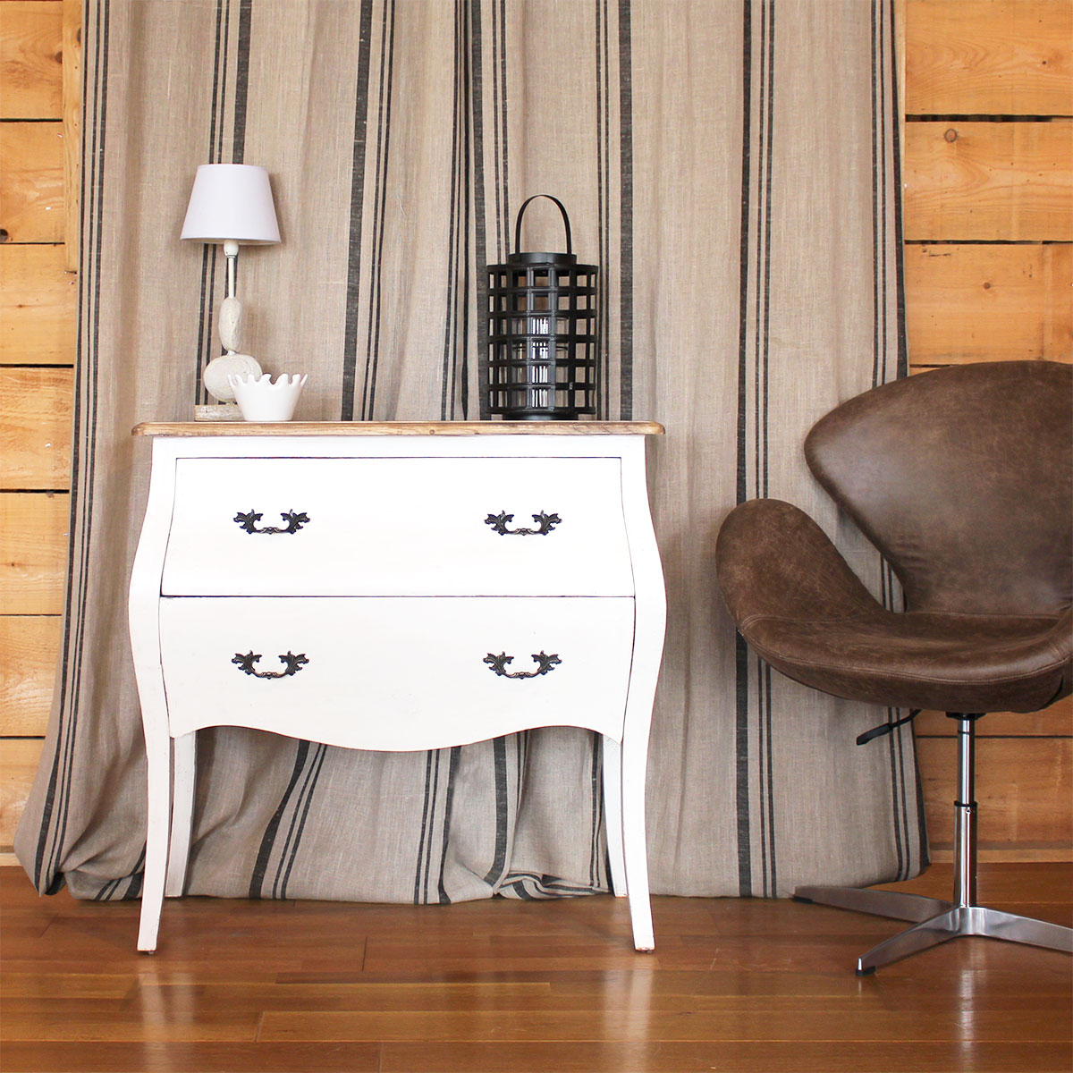 Commode blanche baroque