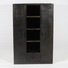 armoire ancienne en bois massif et style industriel made. Black Bedroom Furniture Sets. Home Design Ideas